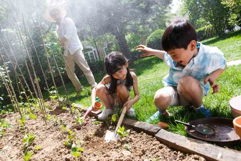 Leaving a legacy for your loved ones – 2 children gardening