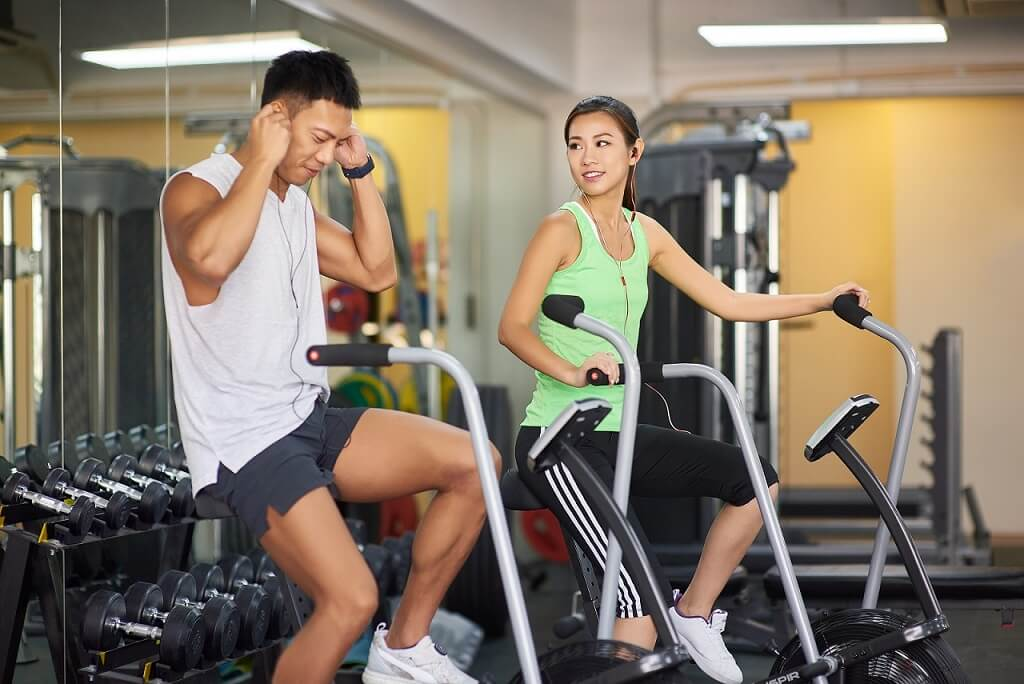 two people having gym workout